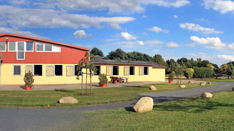Seminarräume & Pferdeboxen